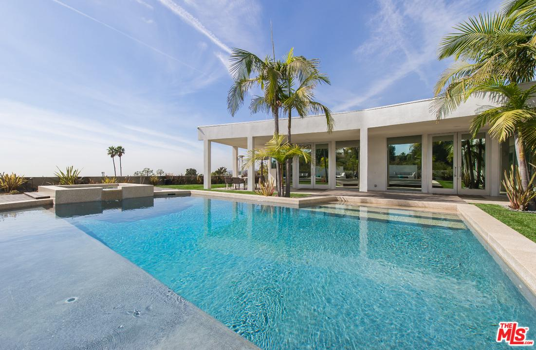 Photo of 525 CHALETTE DR, Beverly Hills, CA 90210