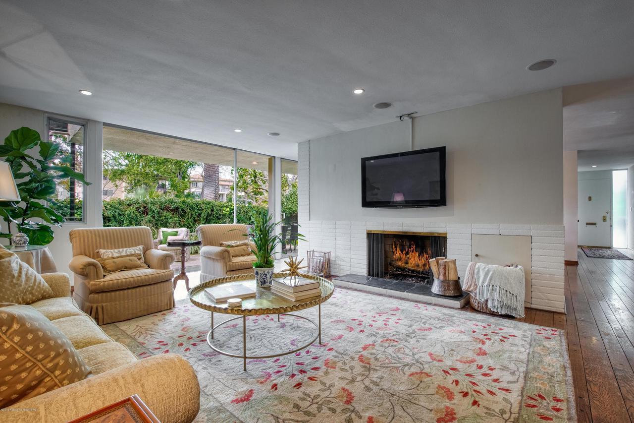 1000 ORANGE GROVE, Pasadena, CA 91105 - 9) Living Room 2 WEB OPTOMIZED