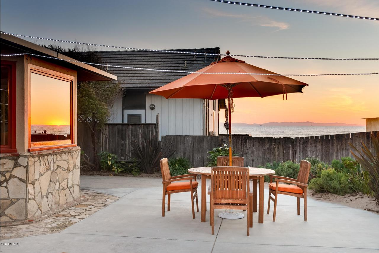 Photo of 1005 WOODSTOCK LANE, Ventura, CA 93001