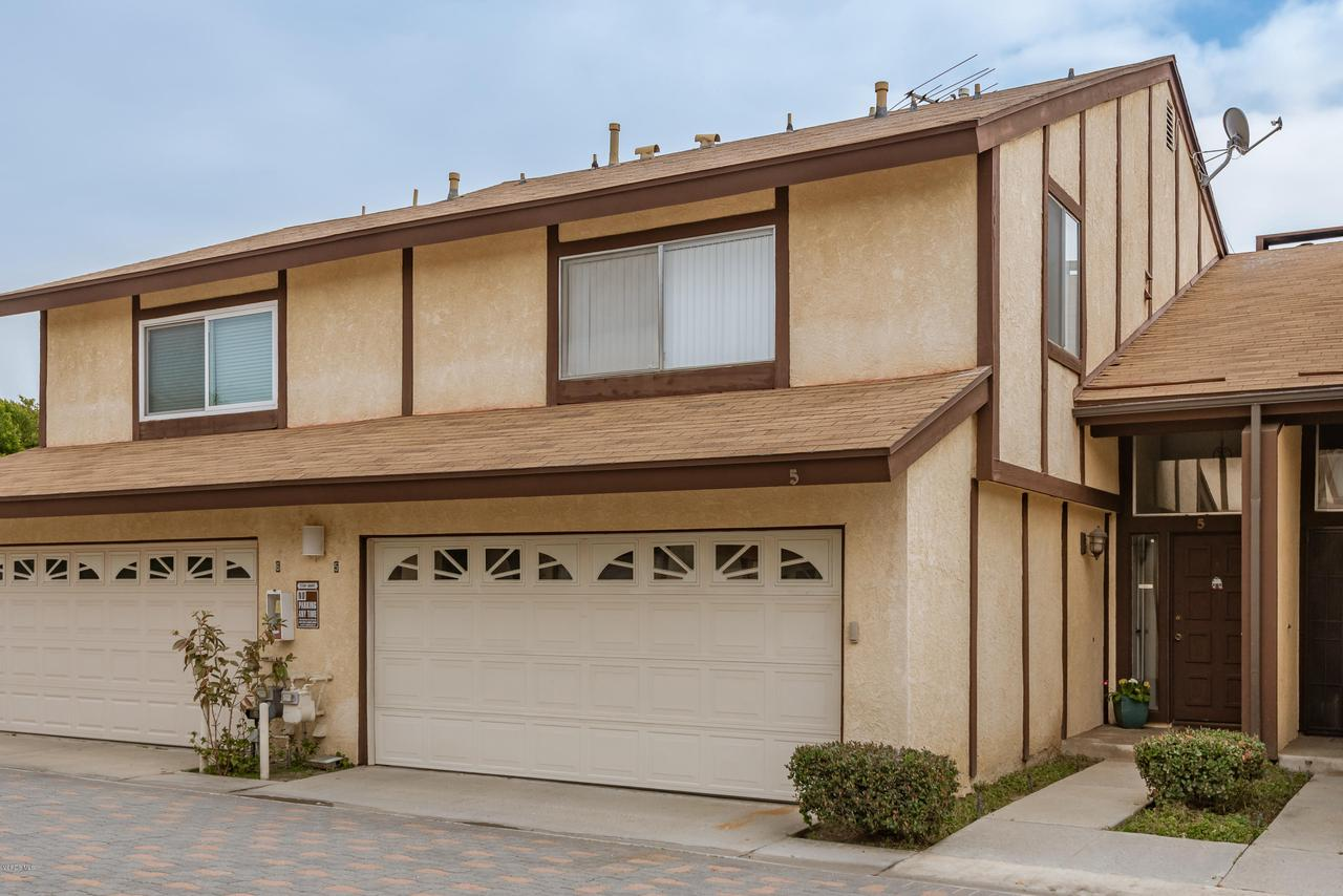 Photo of 17241 ROSCOE BOULEVARD #5, Northridge, CA 91325