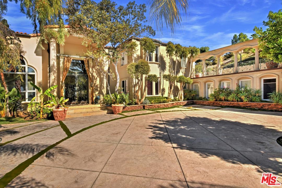 Photo of 16980 ESCALON DR, Encino, CA 91436