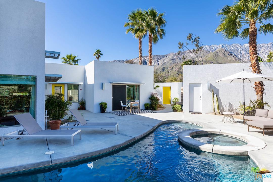 2470 CARDILLO, Palm Springs, CA 92262