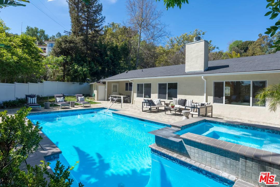 3640 WRIGHTWOOD Drive - Studio City, California