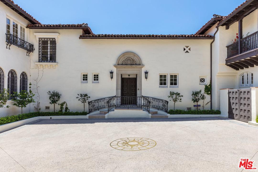 2267 Chislehurst Drive, Los Angeles, California | Compass