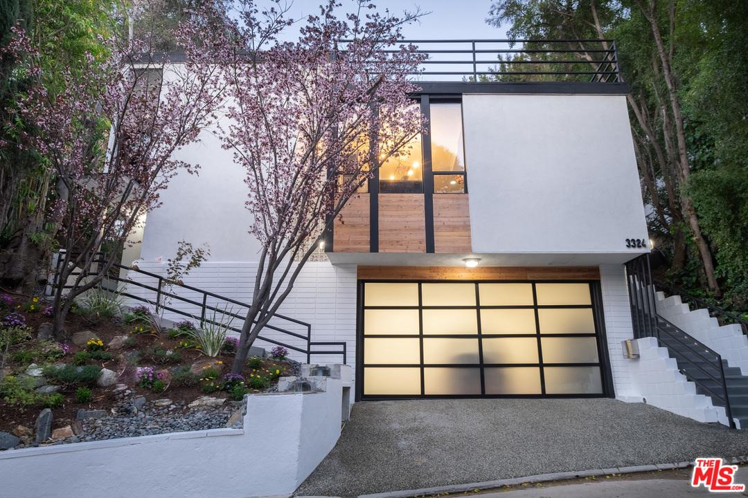 3324 OAKLEY, Los Angeles (City), CA 90068