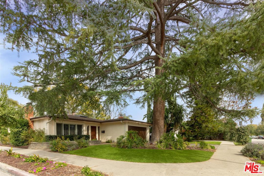 Photo of 11247 KLING ST, Toluca Lake, CA 91602
