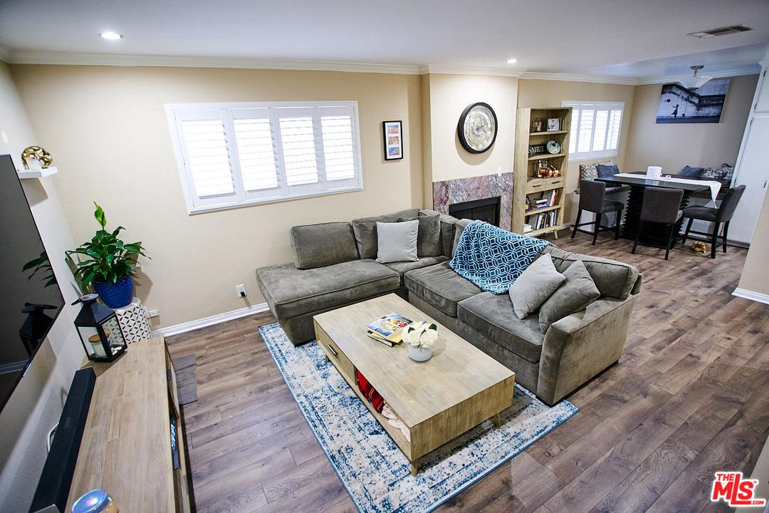 1430 POINT VIEW, Los Angeles (City), CA 90035