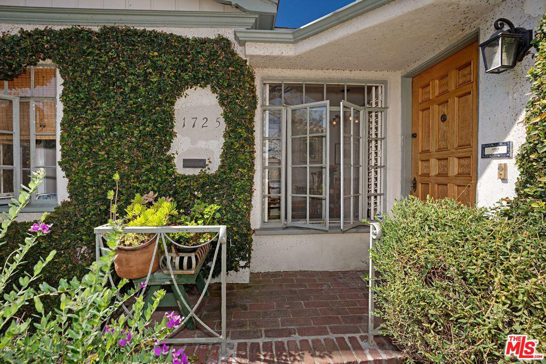 1725 WOOSTER, Los Angeles (City), CA 90035
