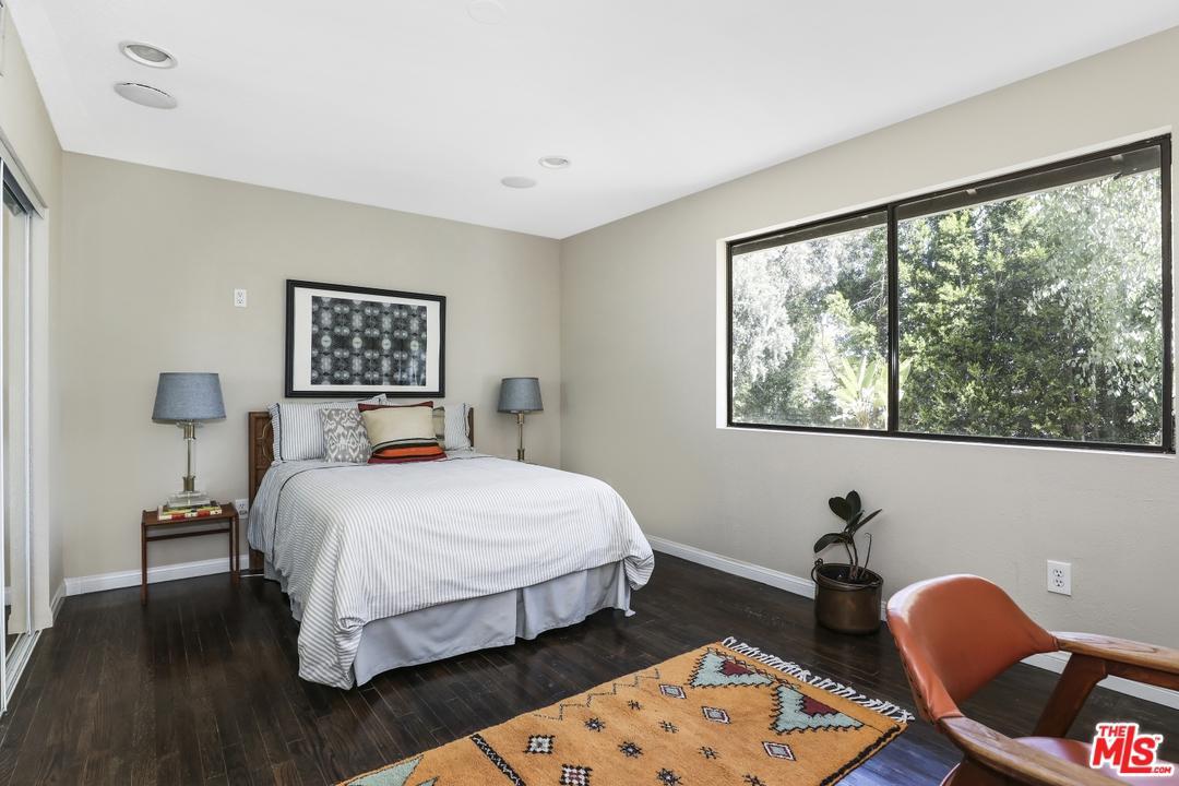 7339 CAVERNA, Los Angeles (City), CA 90068
