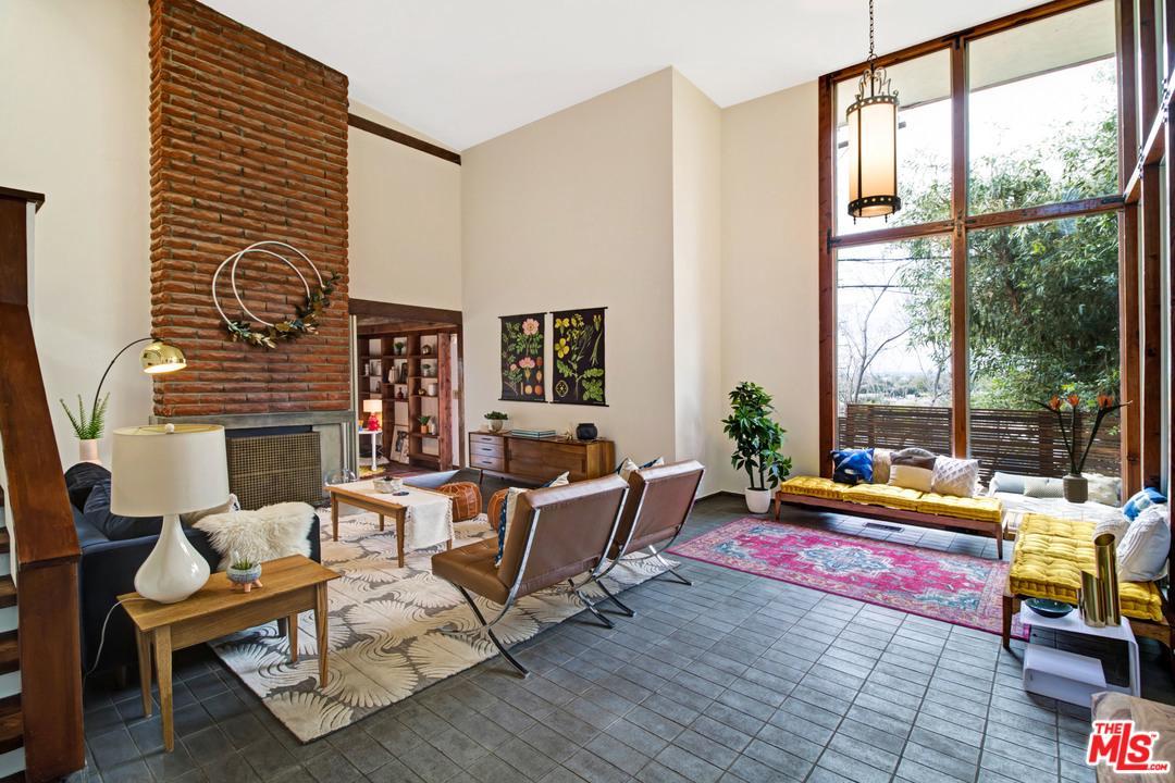 11217 SUNSHINE Terrace - Studio City, California