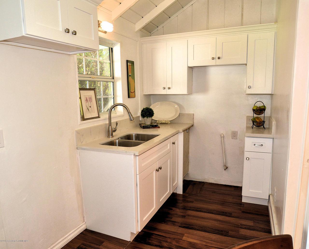878 MORADA, Altadena, CA 91001 - 888 kitchen
