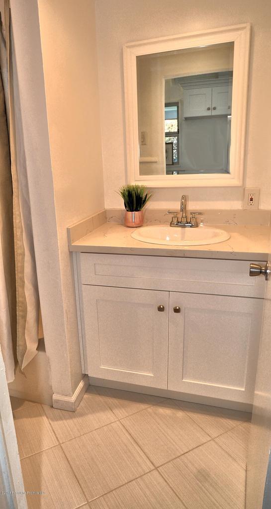 878 MORADA, Altadena, CA 91001 - 888 bath sink