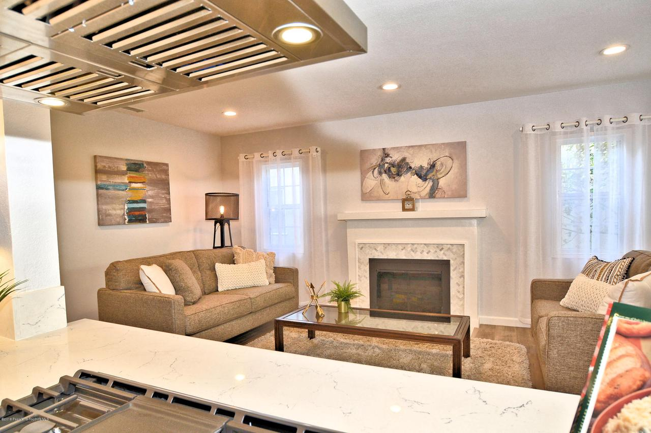 878 MORADA, Altadena, CA 91001 - 878 kitchen to Living room