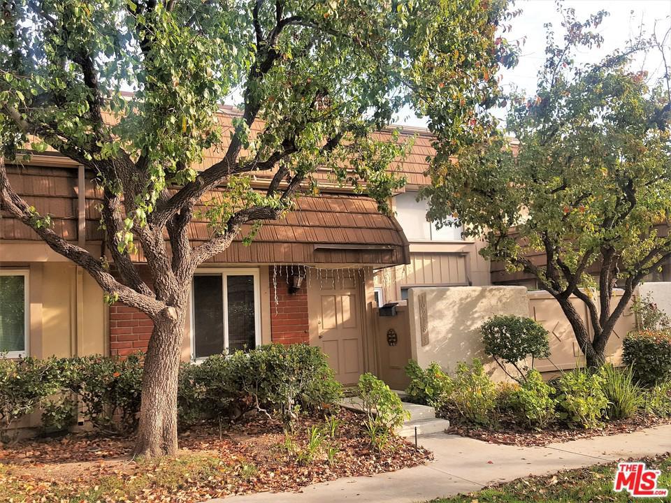 10218 LARWIN, Chatsworth, CA 91311