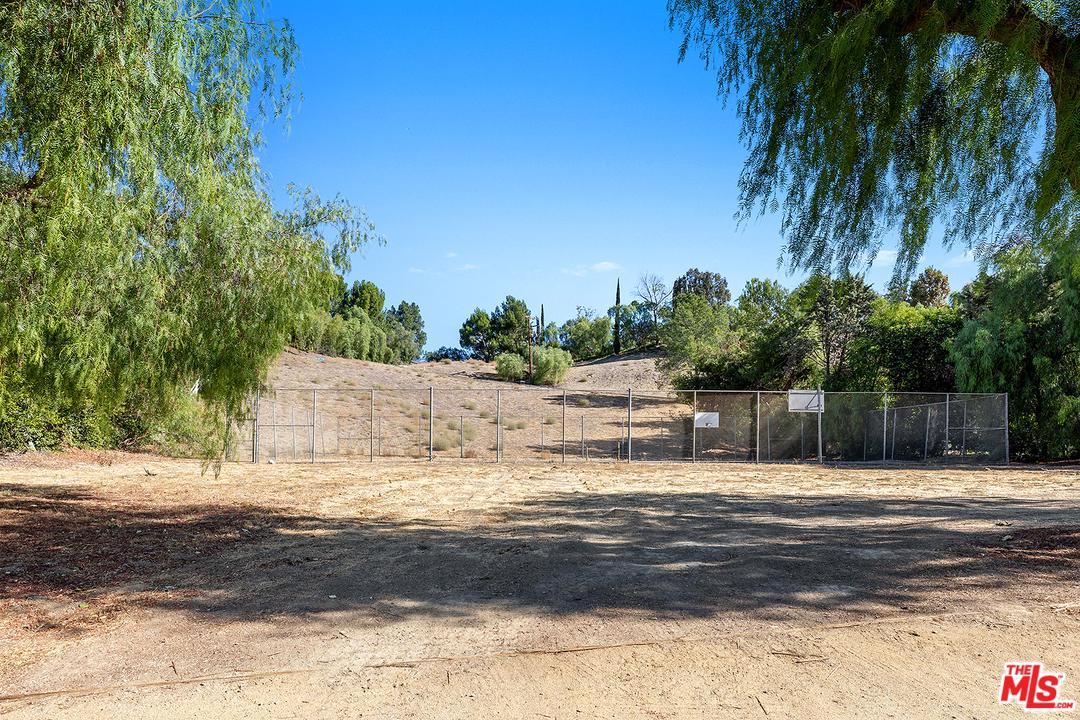 Hidden Hills, CA 91302