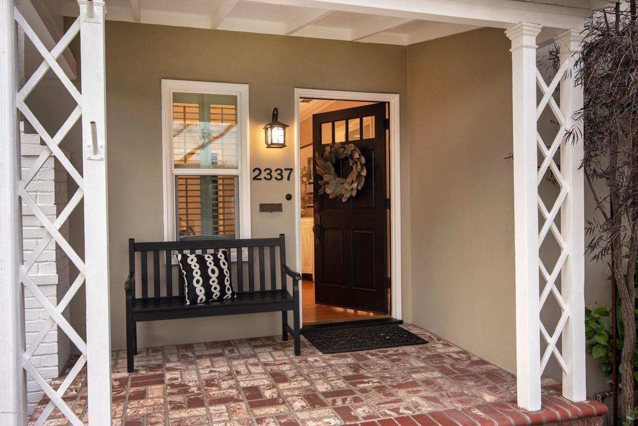 2337 LOMA VISTA, Pasadena, CA 91104 - 2337 LV FRONT DOOR OPEN 3