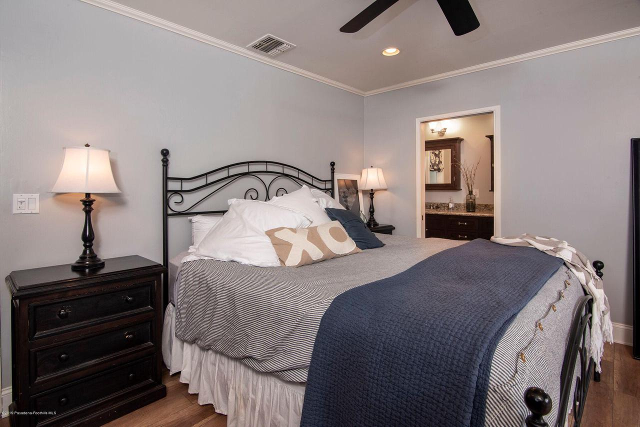 2337 LOMA VISTA, Pasadena, CA 91104 - 2337 LV MASTER BEDROOM 2
