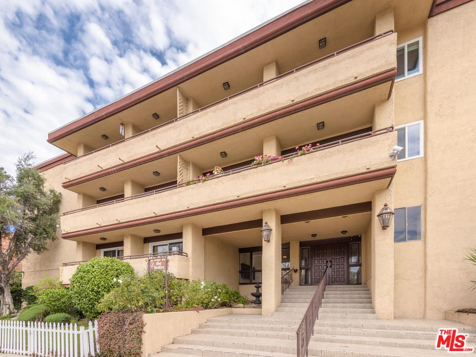 Photo of 5412 LINDLEY AVE, Encino, CA 91316