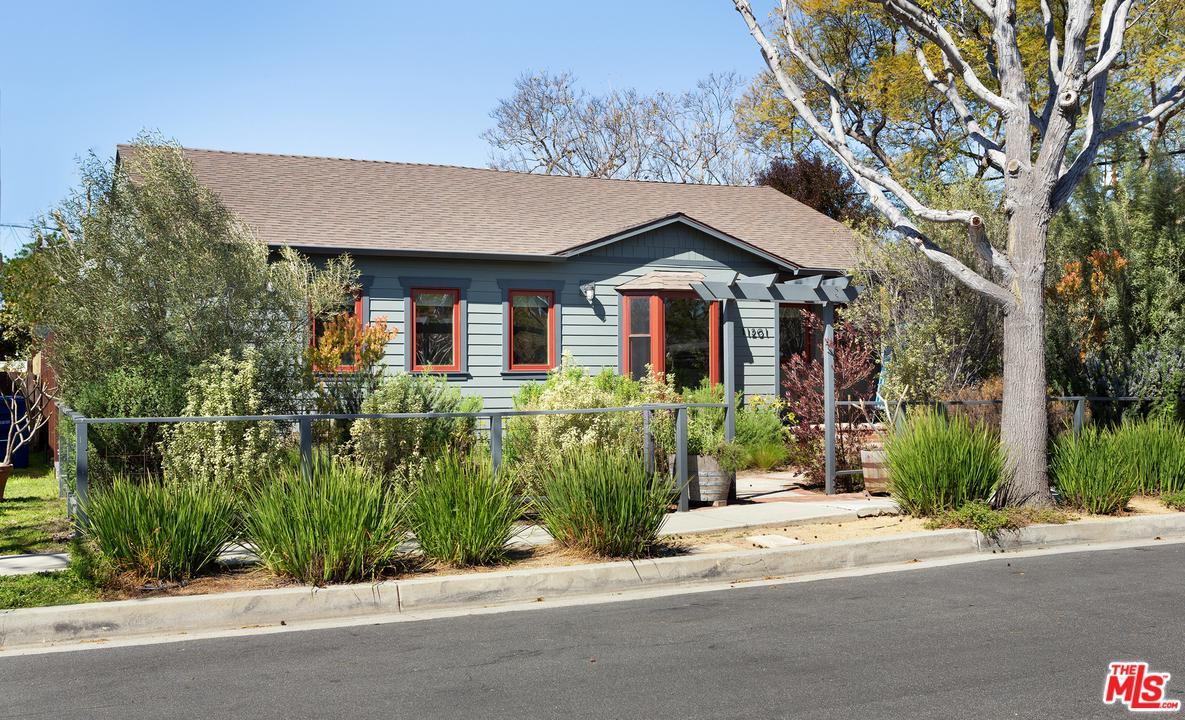 Photo of 11201 PATOM DR, Culver City, CA 90230
