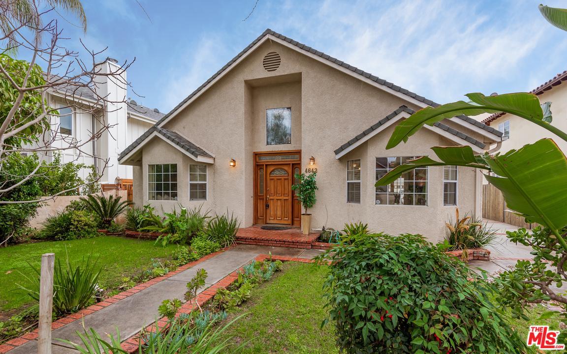4642 LEMONA, Sherman Oaks, CA 91403