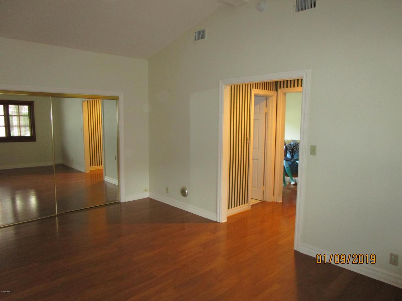 10720 TERNEZ, Moorpark, CA 93021 - Master Bedroom