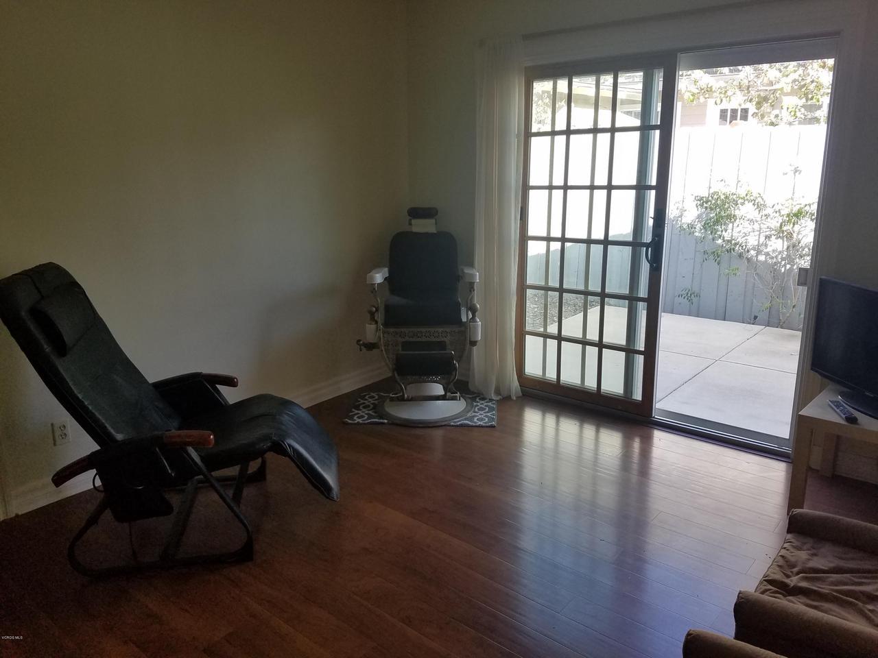 10720 TERNEZ, Moorpark, CA 93021 - Sitting Room - Master