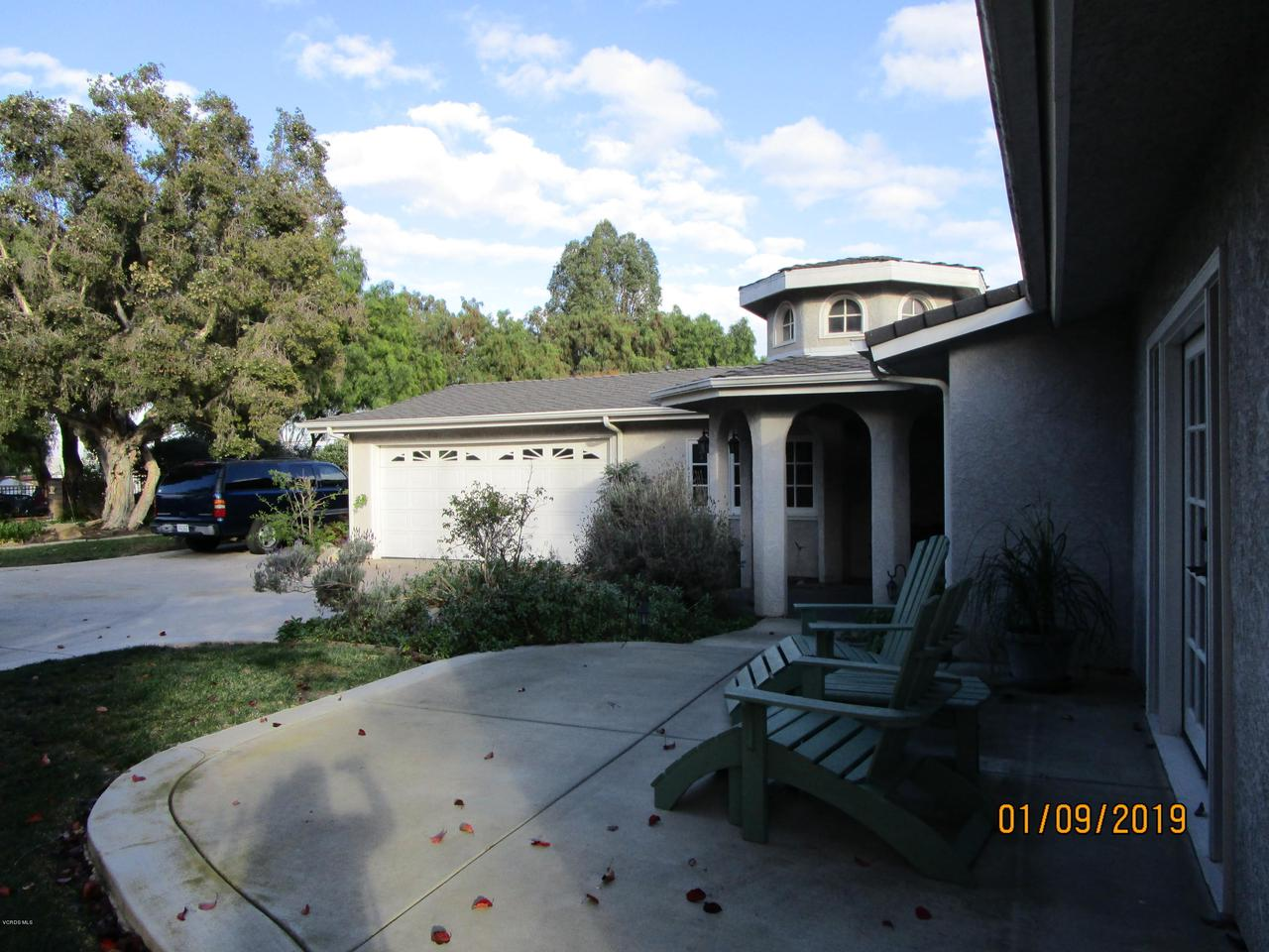 10720 TERNEZ, Moorpark, CA 93021 - Front Porch