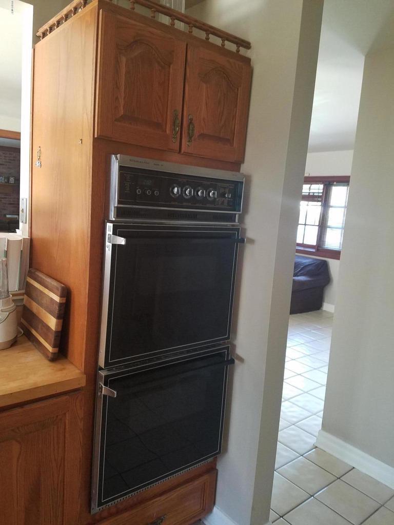 10720 TERNEZ, Moorpark, CA 93021 - Kitchen Oven