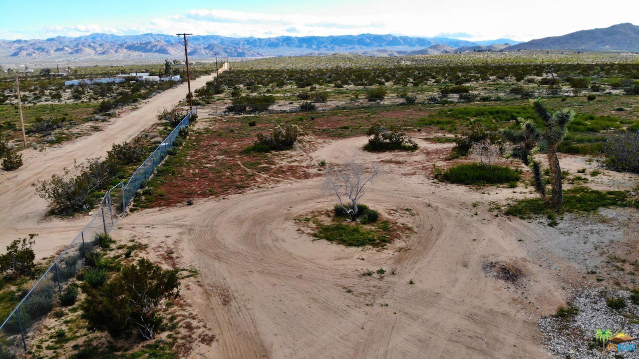 2724 STONEHILL, Joshua Tree, CA 92252