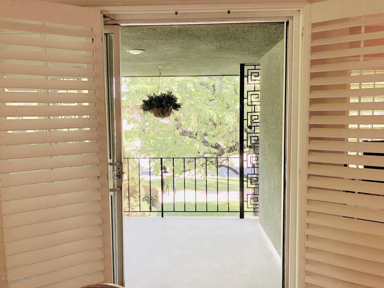 1205 ORANGE GROVE, Pasadena, CA 91105 - OG patio 1
