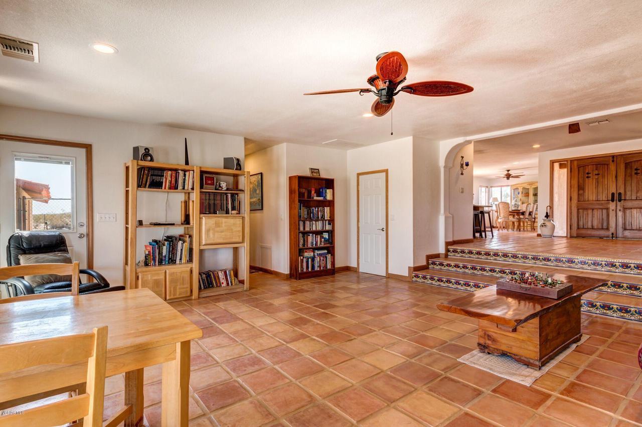 74784 FOOTHILL, 29 Palms, CA 92277 - Sunken Living room