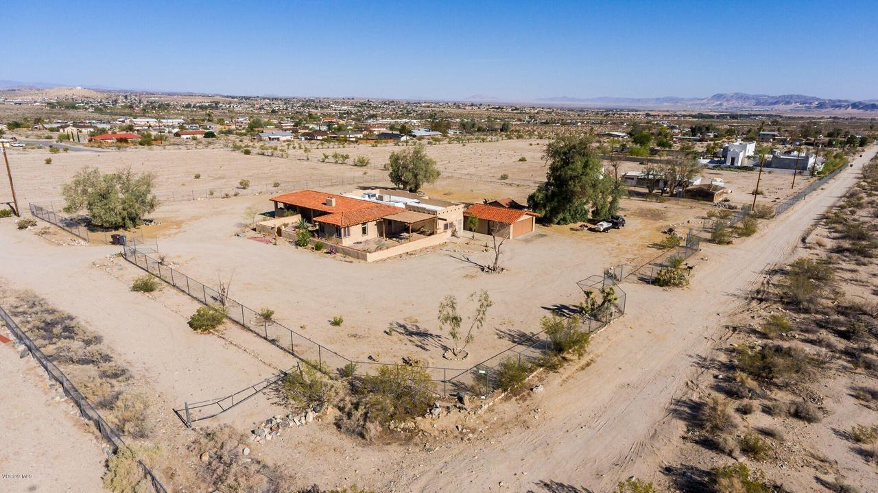 74784 FOOTHILL, 29 Palms, CA 92277 - So many possibilities