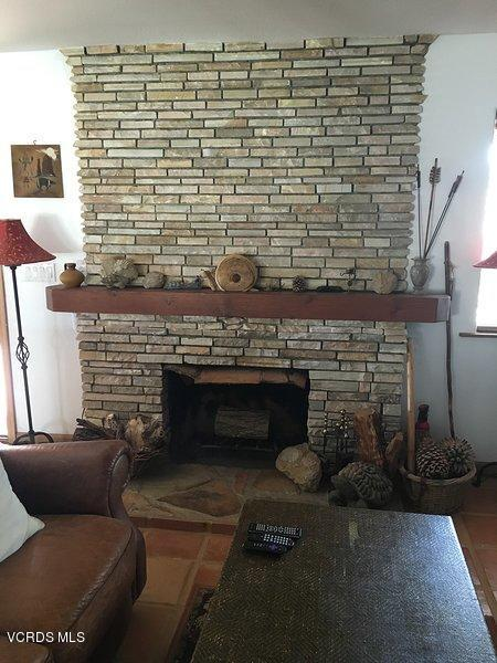 74784 FOOTHILL, 29 Palms, CA 92277 - Rock Fireplace