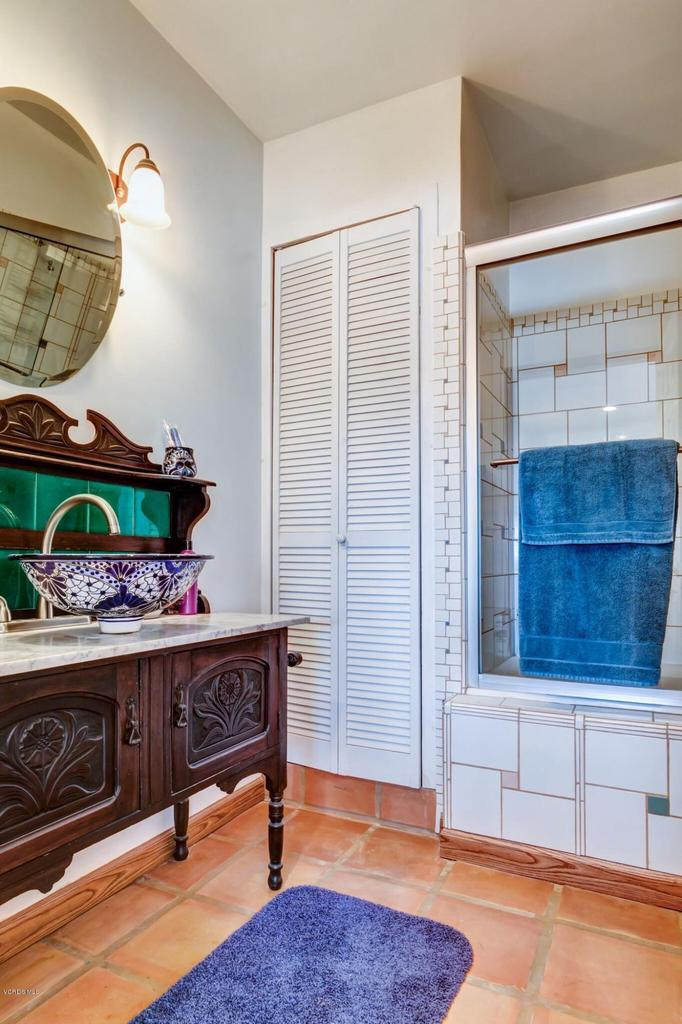 74784 FOOTHILL, 29 Palms, CA 92277 - Guest bath 2