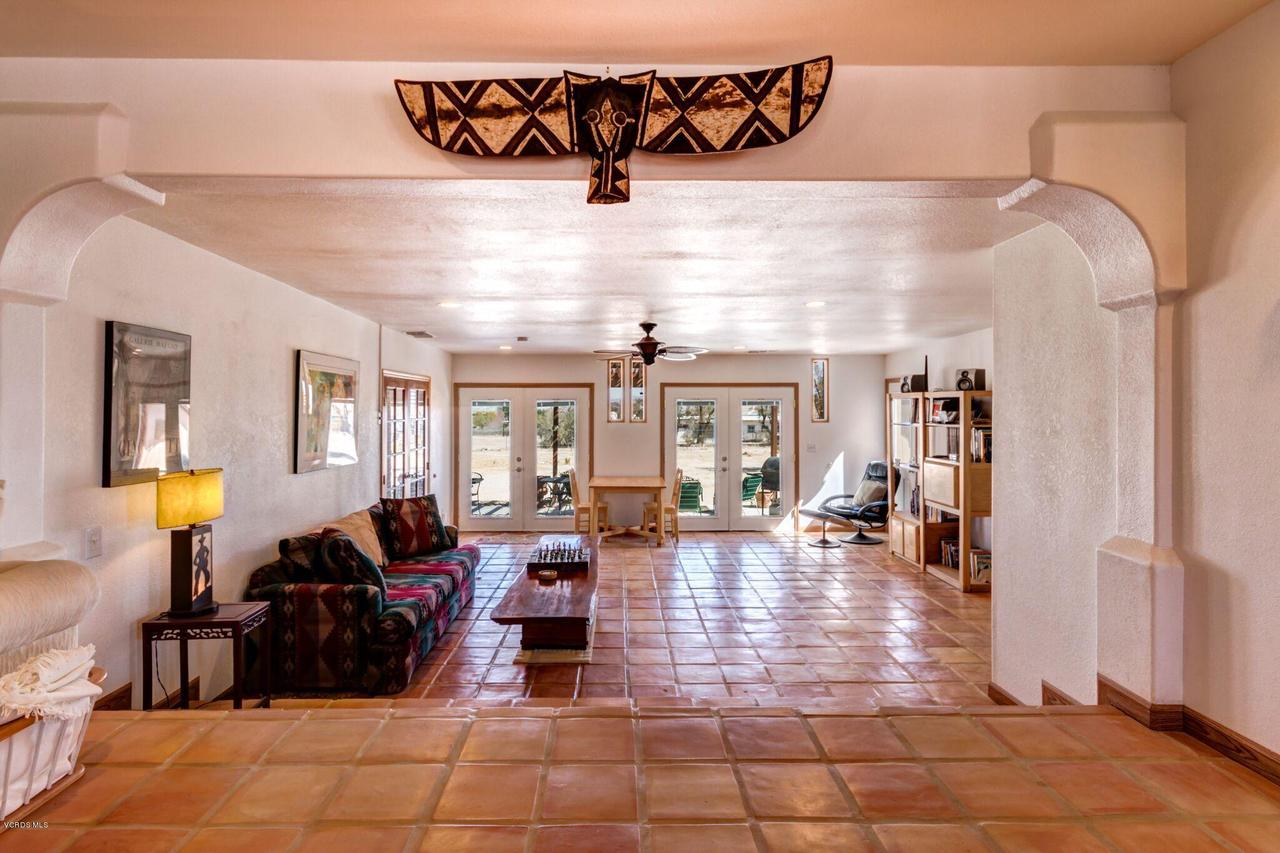 74784 FOOTHILL, 29 Palms, CA 92277 - Grand entry