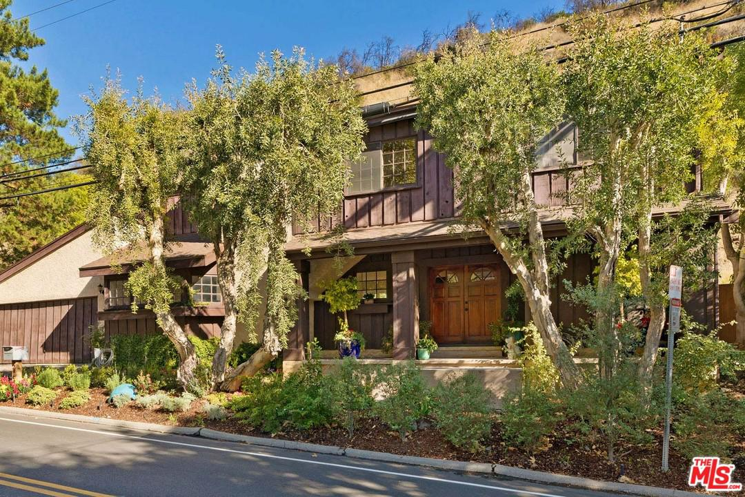2964 MANDEVILLE CANYON Road - Brentwood, California