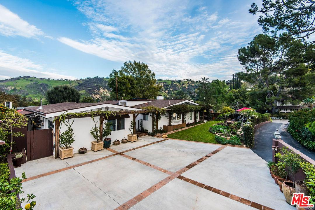 3619 LOADSTONE, Sherman Oaks, CA 91403
