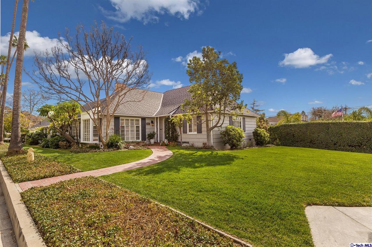 1658 GRANDVIEW AVENUE, Glendale, CA 91201