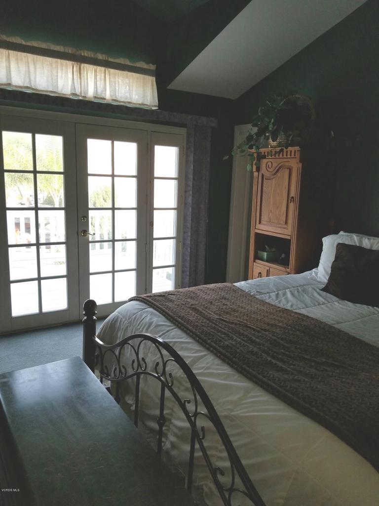 1063 MEADOWLARK, Fillmore, CA 93015 - master bedroom