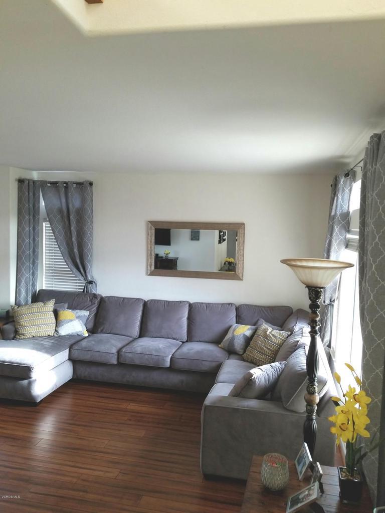 1063 MEADOWLARK, Fillmore, CA 93015 - family room 2