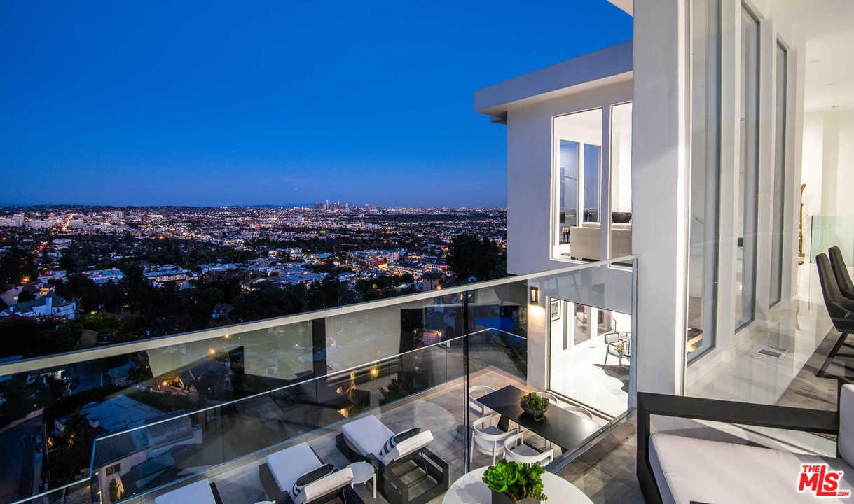 1646 WOODS, Los Angeles (City), CA 90069