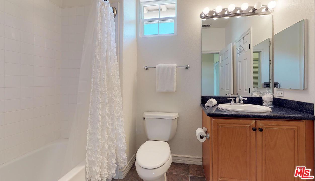 5935 PLAYA VISTA, Playa Vista, CA 90094