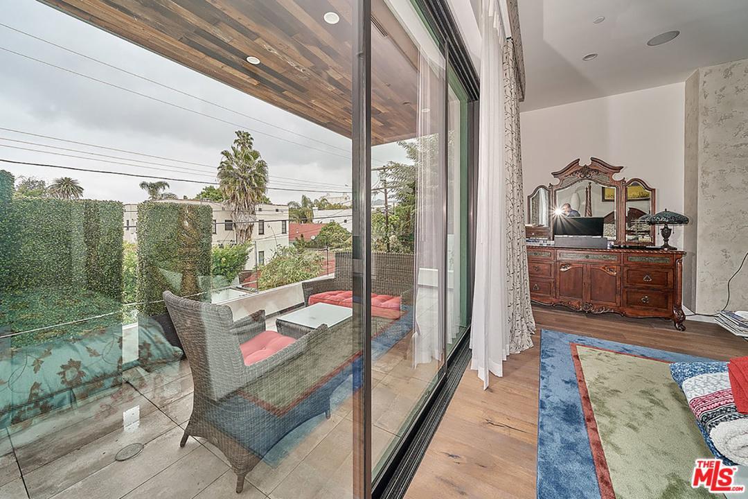 833 CHEROKEE, Los Angeles (City), CA 90038