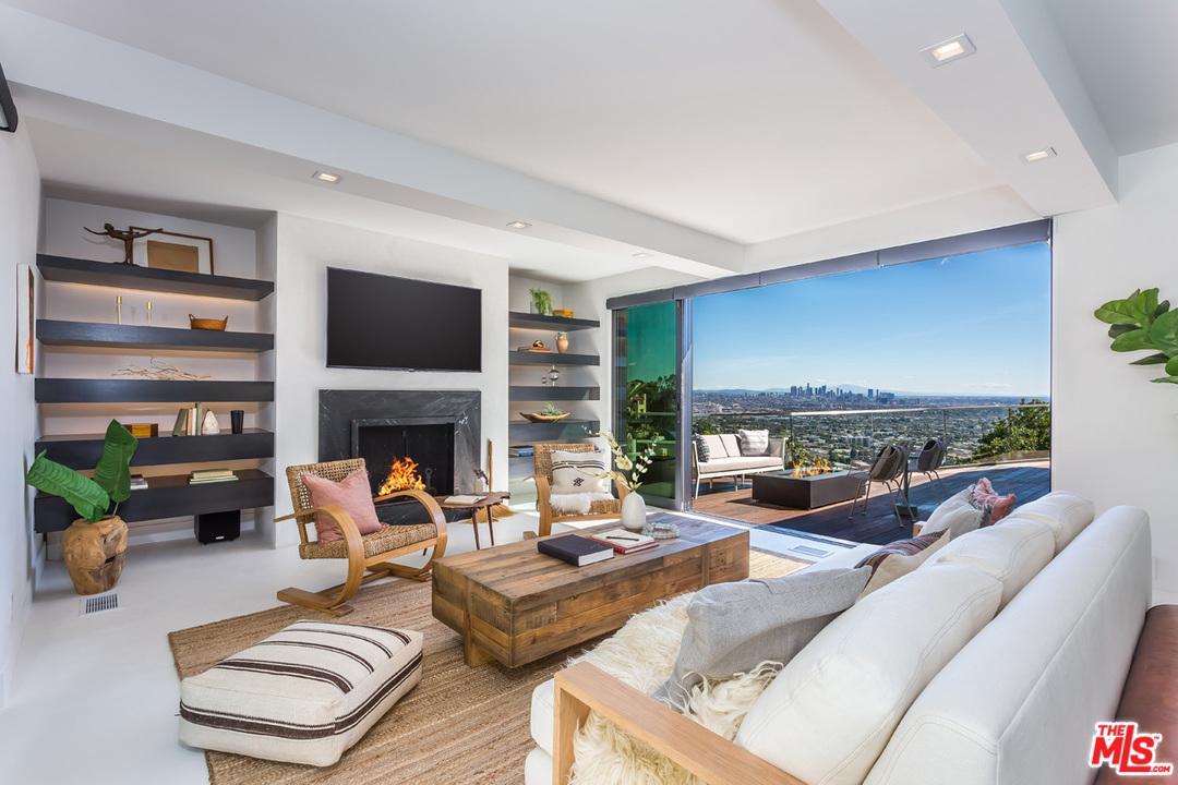 8509 HOLLYWOOD, Los Angeles (City), CA 90069