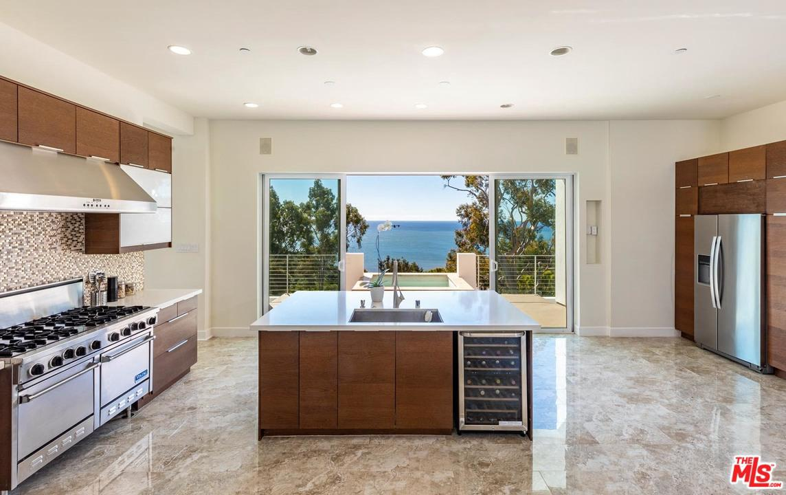 20607 EAGLEPASS, Malibu, CA 90265