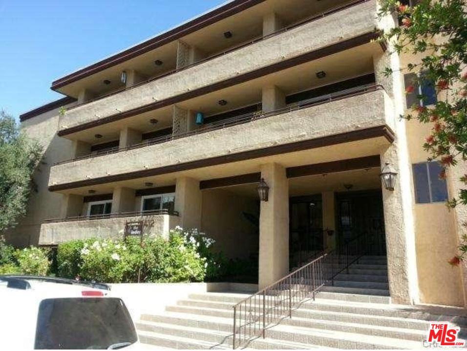 5412 LINDLEY, Encino, CA 91316