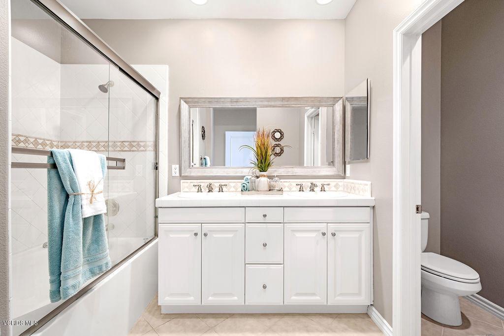 4511 VIA DEL SOL, Camarillo, CA 93012 - Master bathroom