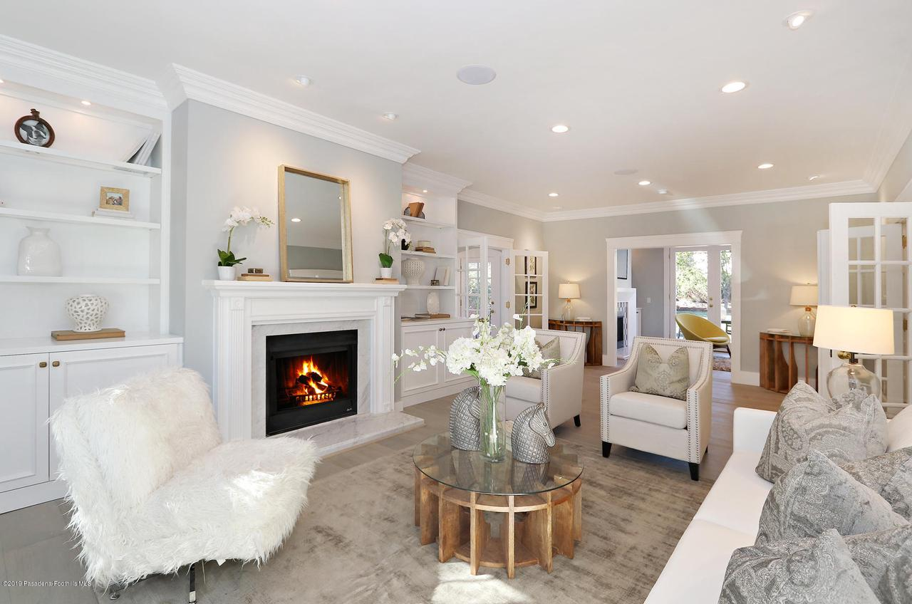 1277 BOSTON, Altadena, CA 91001 - MLS_8_LivingRoom