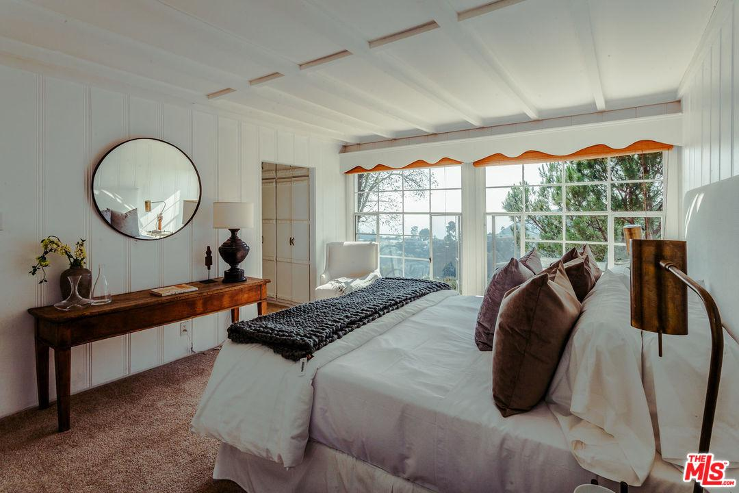 2780 OUTPOST, Los Angeles (City), CA 90068