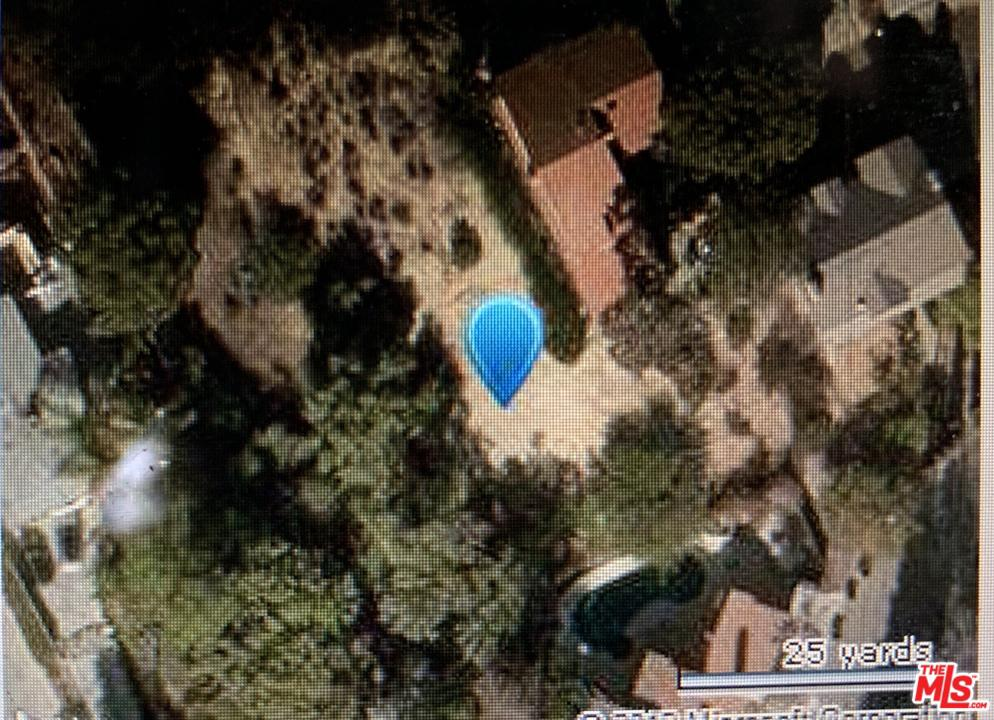 BANDERA, Woodland Hills, CA 91364